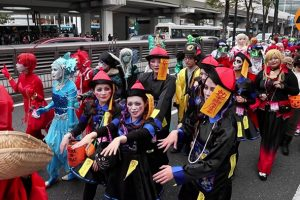 """Làm thế nào người Nhật biến Halloween thành một """"sự tôn thờ""""? (P2)"""